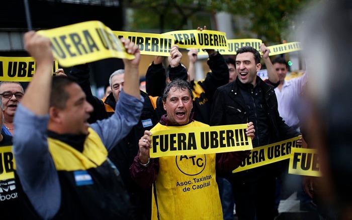 PROTESTAS POR LLEGADA DE UBER A BUENOS AIRES